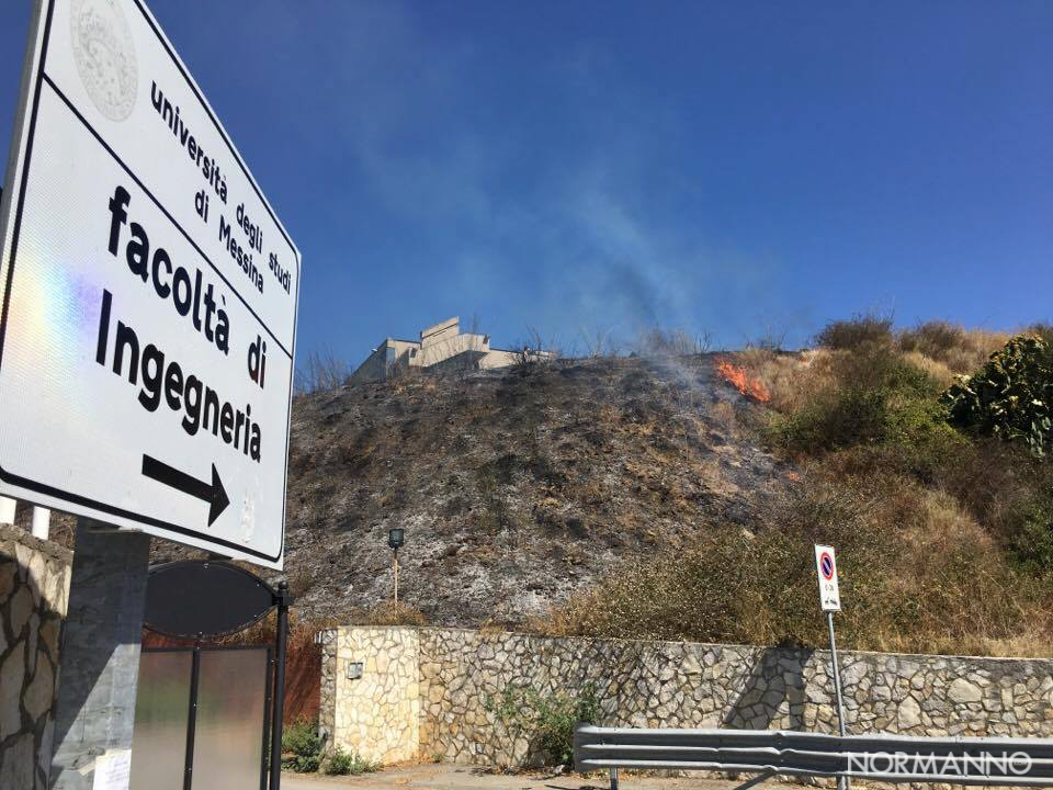 Foto incendio dipartimento di Ingegneria - Università di Messina