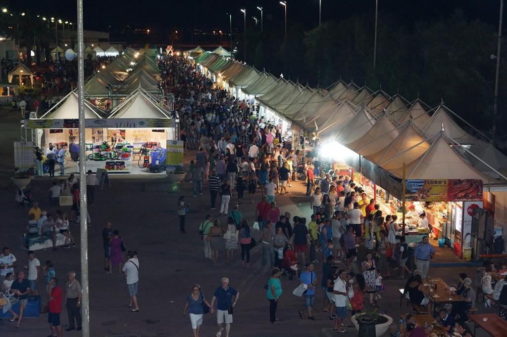 Foto di stand e pubblico - Agosto in Fiera di Messina 2017