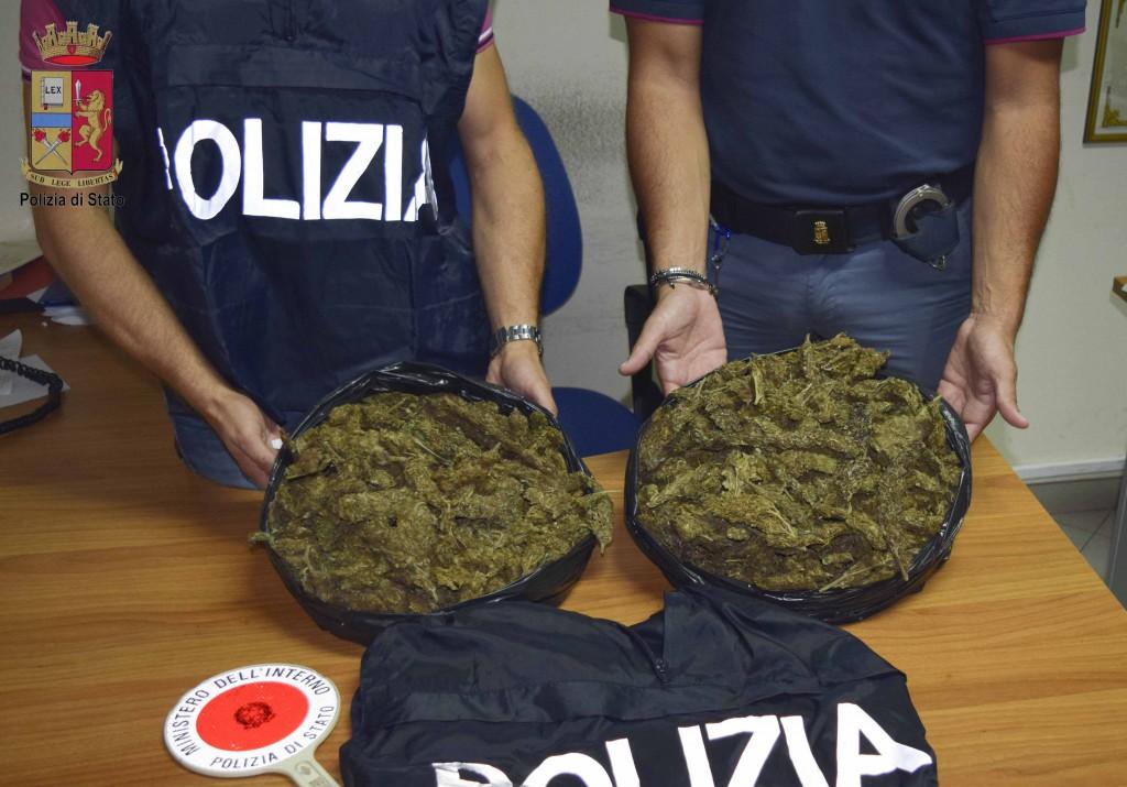 Foto sacchi pieni di marijuana - Sequestro Cuzzupè Giunta