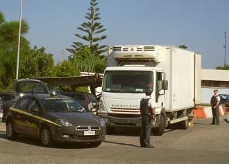 Sequestro per trasporto abusivo di merci - Guardia di Finanza - Barcellona Pozzo di Gotto