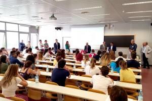 Foto degli studenti ai test di ammissione a Medicina