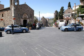Rissa a Taormina. Off limits i marciapiedi per i camerieri di pizzerie e ristoranti