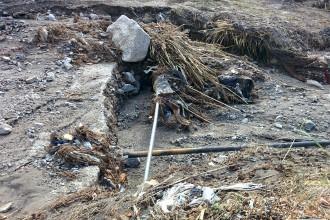 Foto tubature scoperte - Esondazione torrente S.Michele, Giostra - Messina