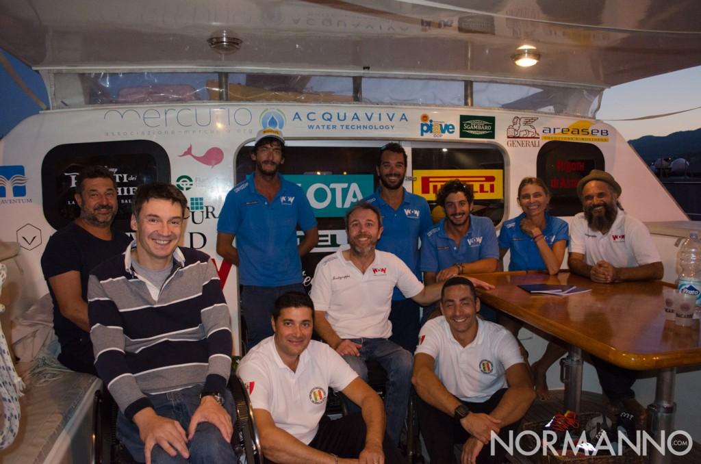 Foto dell'equipaggio, per la tappa di Messina, del catamarano Lo Spirito di Stella