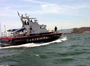 Foto motovedetta dei Carabinieri