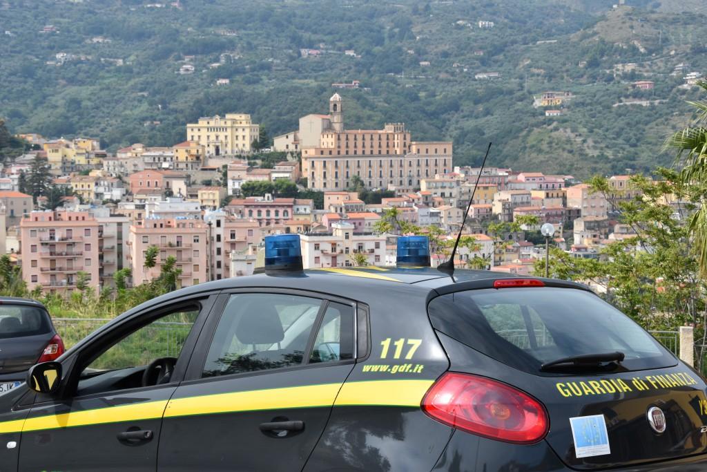 Foto auto della Guardia di Finanza - Messina