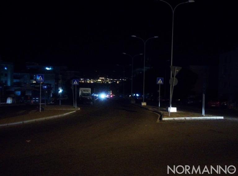 Foto viale Annunziata non illuminato, Messina
