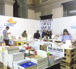 Foto di Sabir Libri durante il SabirFest 2017 - Galleria Vittorio Emanuele, Messina