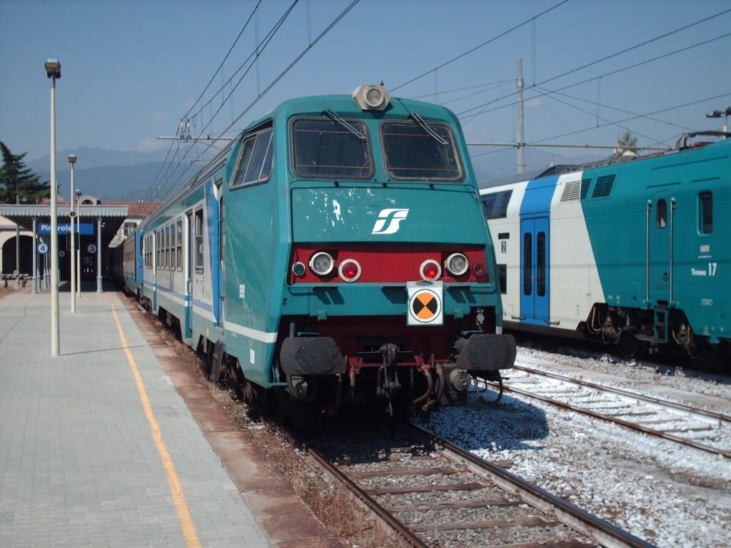 Trasporti ferroviari, carrozza treno RFI