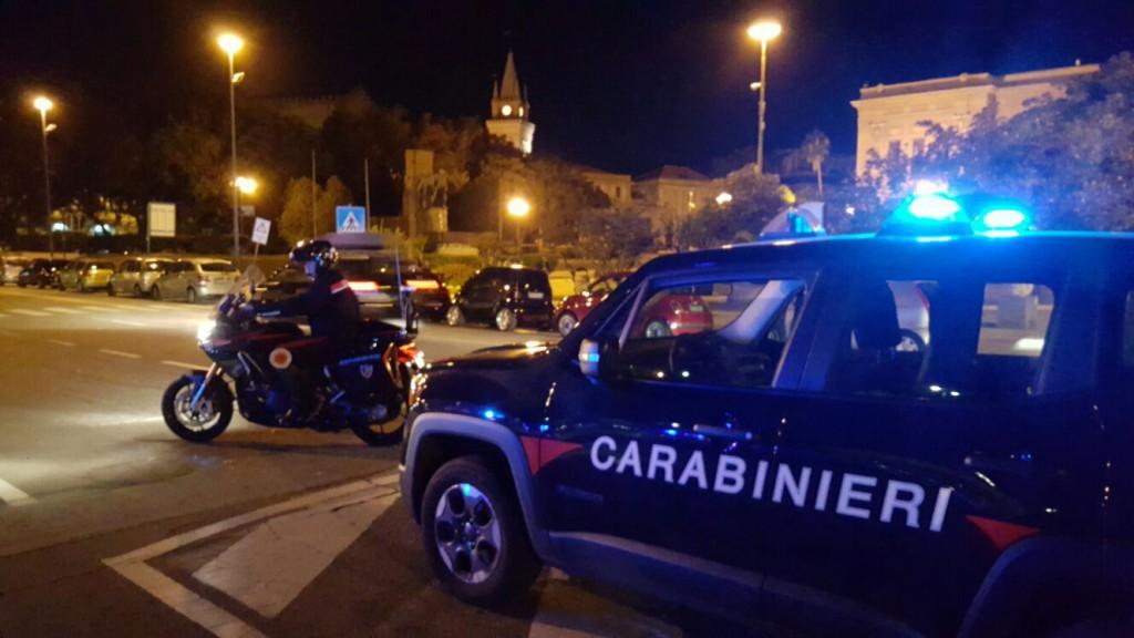 Foto di un posto di blocco dei Carabinieri di Messina