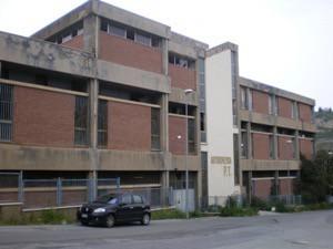 Foto 05 del dossier Bisconte di Alessandro Cacciotto, palazzo delle Poste abbandonato