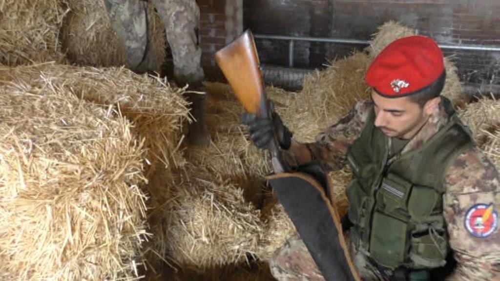 Foto del fucile ritrovato a Mistretta da Carabinieri - agricoltore arrestato per possesso di arma clandestina