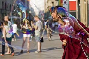 fuori programma, spettacoli artisti di strada