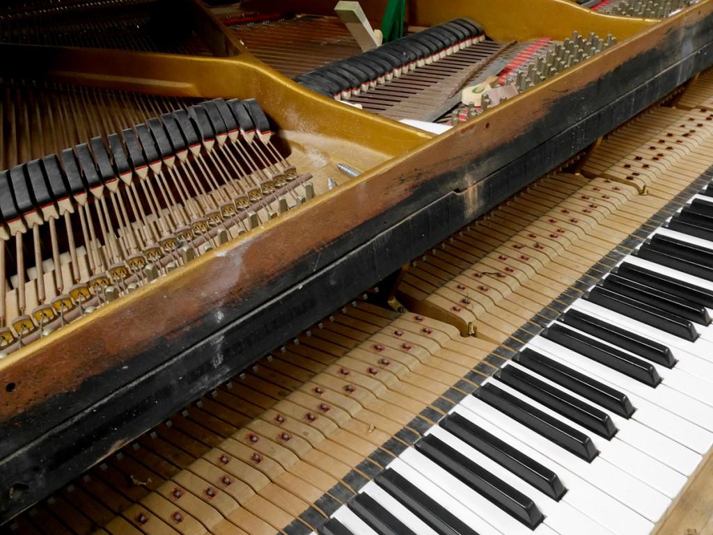 pianoforte in restauro al laboratorio restauro pianoforti - conservatorio corelli - messina