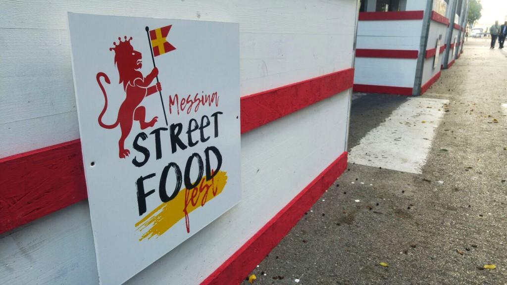 Foto del logo posto sugli stand del Messina Street Food Fest