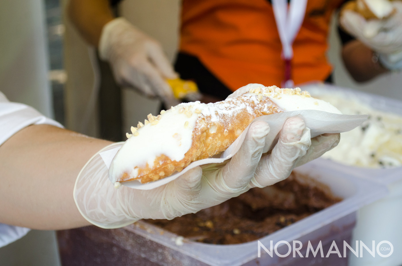 Cannolo siciliano ricotta - Messina Street Food Fest 2017