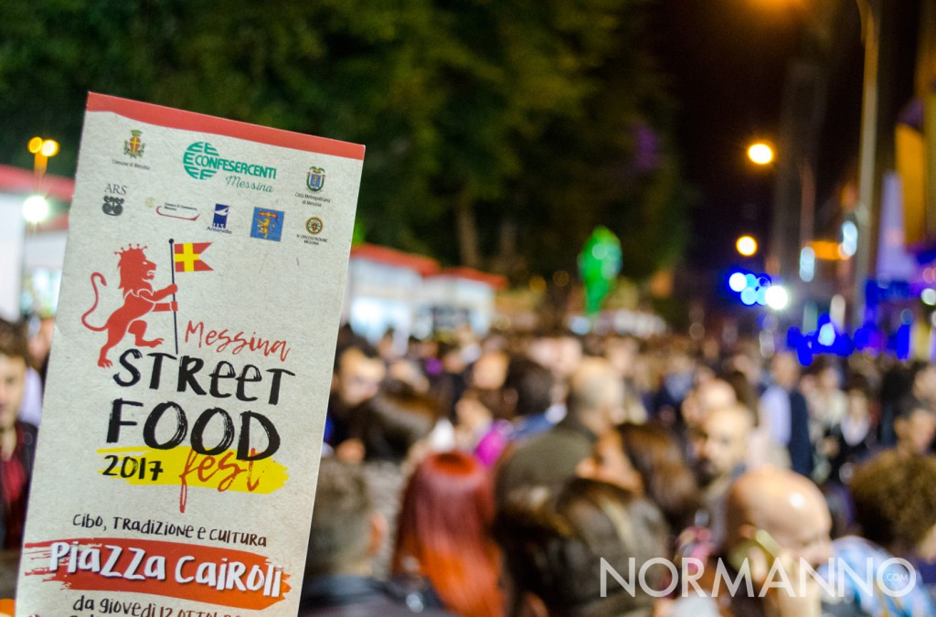 Foto volantino e folla - Messina Street Food Fest 2017