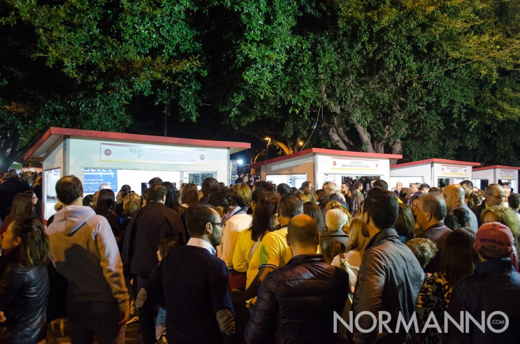 Folla in attesa agli stand - Messina Street Food Fest 2017