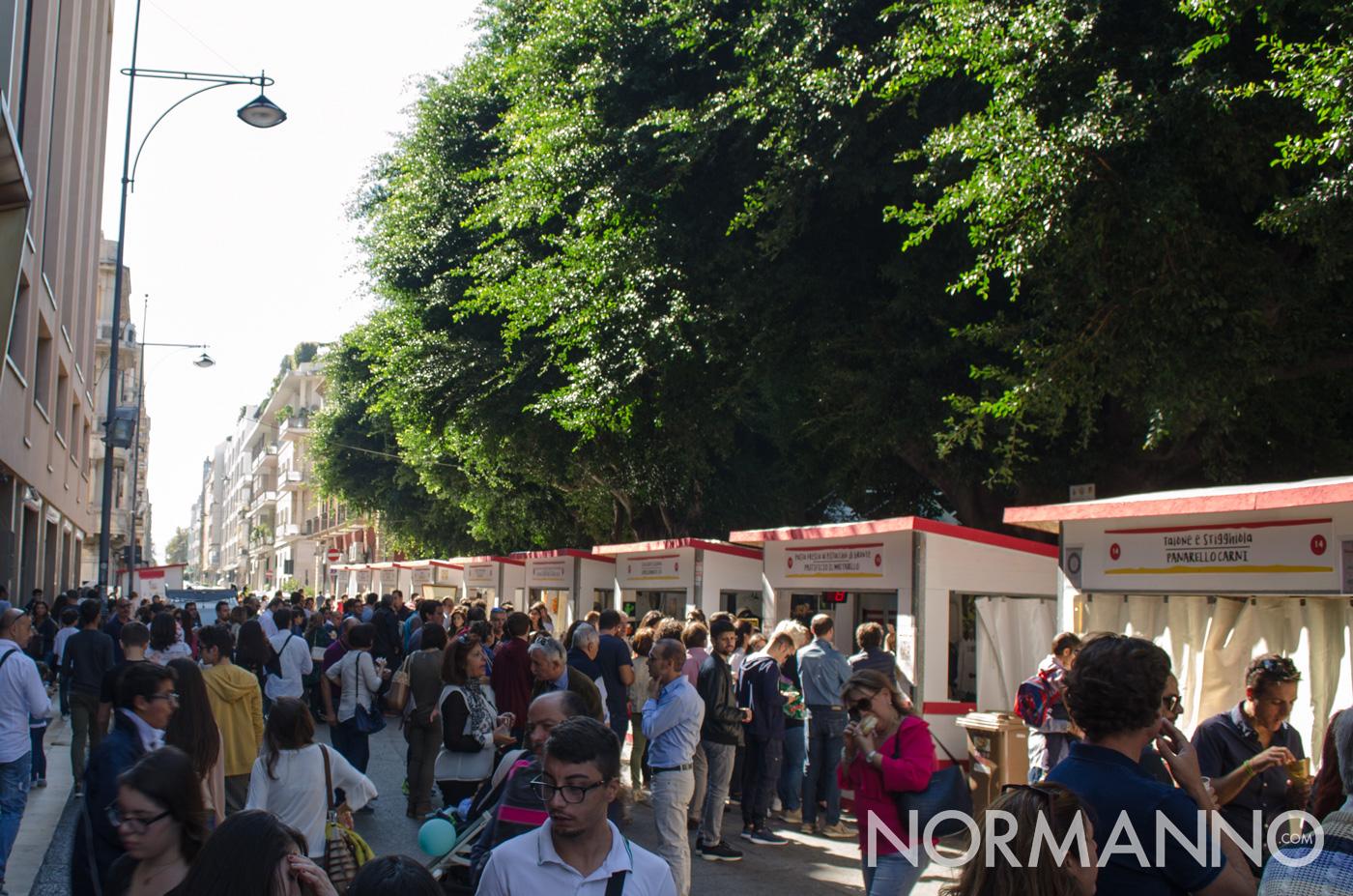 Fila domenica mattina attesa stand - Messina Street Food Fest 2017
