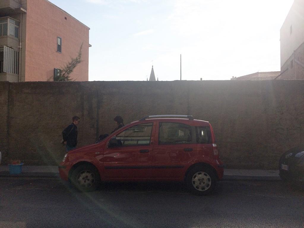 Muro della scuola Mazzini in via XXIV maggio