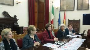 Conferenza stampa una panchina per la vita, contro la violenza di genere - panchine rosse - messina