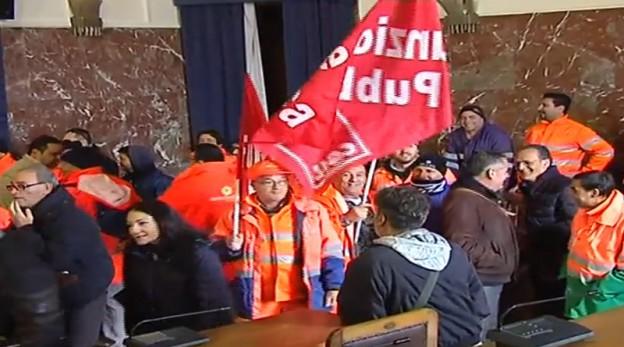 foto di lavoratori messinambienete