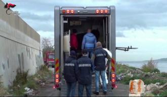 Foto dei carabinieri durante l'operazione zikka che ha portato all'arresto di 9 persone per l'organizzazione di corse di cavalli clandestine