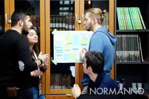 startup weekend messina 2017 - secondo giorno, i team lavorano alle idee nella biblioteca del Palacultura