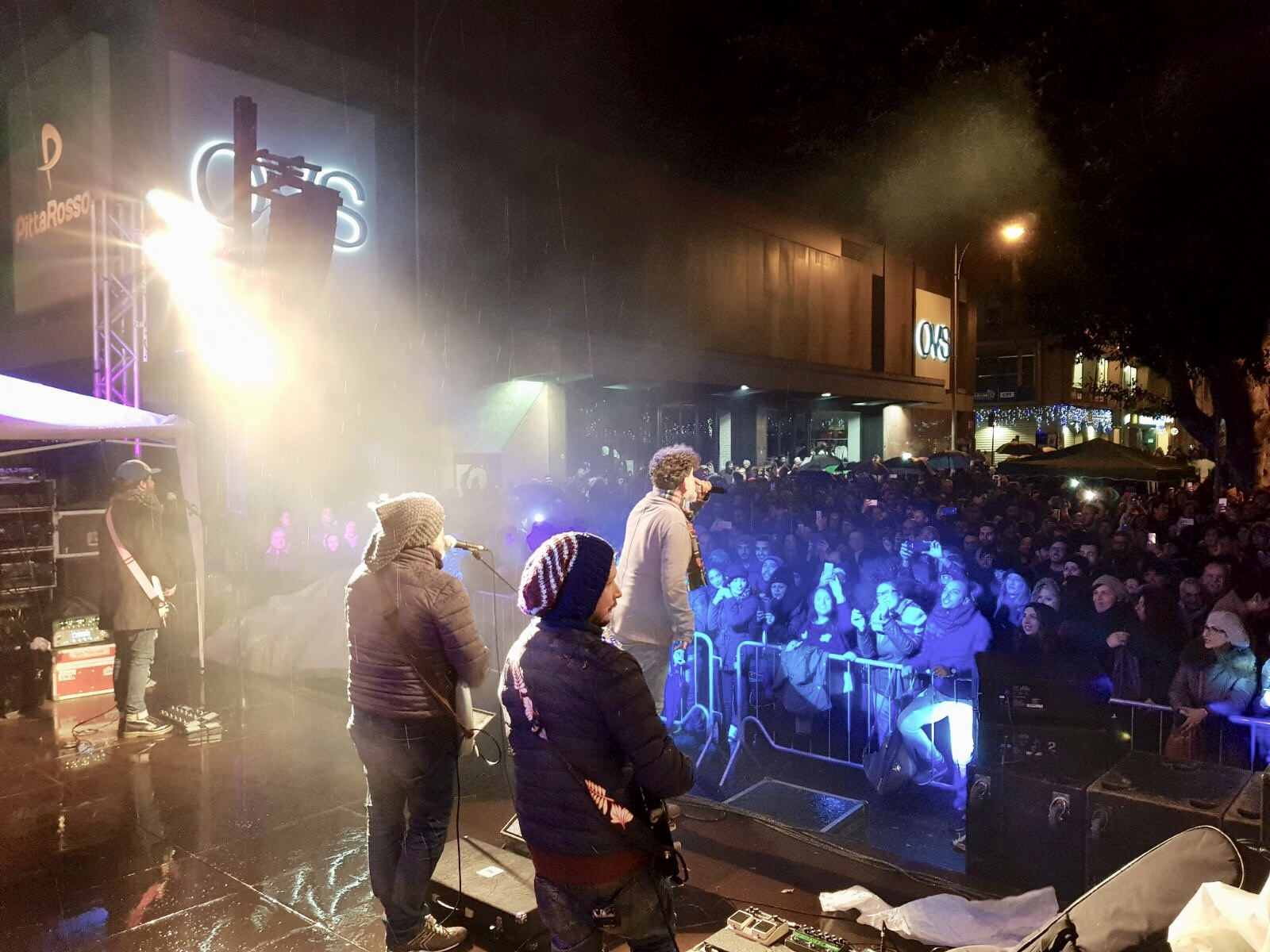 Foto concerto a Piazza Cairoli