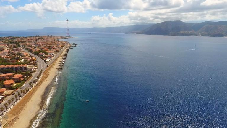 Foto realizzata con drone dello Stretto di Messina