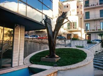 alberlo della musica - statua donata dal rotary club messina peloro - palacultura antonello di messina