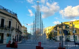 albero di natale di piazza cairoli messina 2017