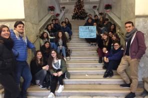 Liceo La Farina senza riscaldamento, gli studenti protestano: «È un diritto, non un privilegio»