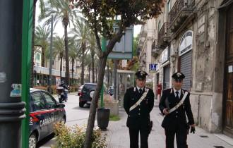 Foto di repertorio - Due carabinieri a piedi, Messina Centro