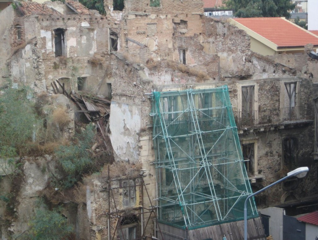 Foto del palazzo del '700 di Messina