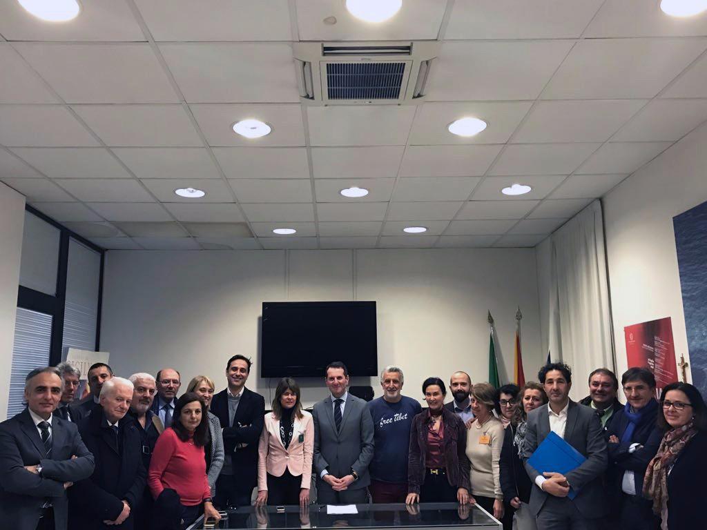 Foto dell'incontro tra Regione e Teatro Vittorio Emanuele