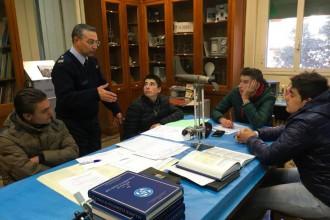 foto degli studenti del nautico leonardo da vinci di milazzo per il progetto di alternanza scuola-lavoro all'osservatorio meteorologico di Messina
