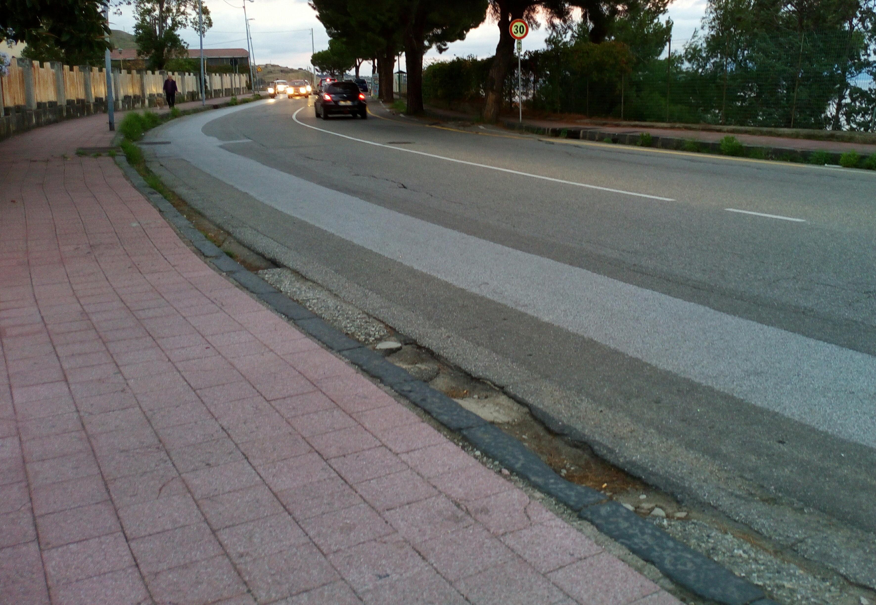strada nuova panoramica dello stretto - via gramsci - messina