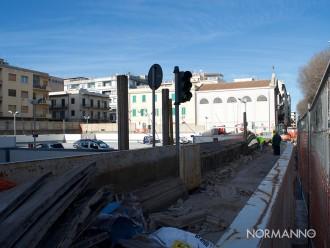 foto dei lavori di ristrutturazione della recinzione del parcheggio la farina di messina