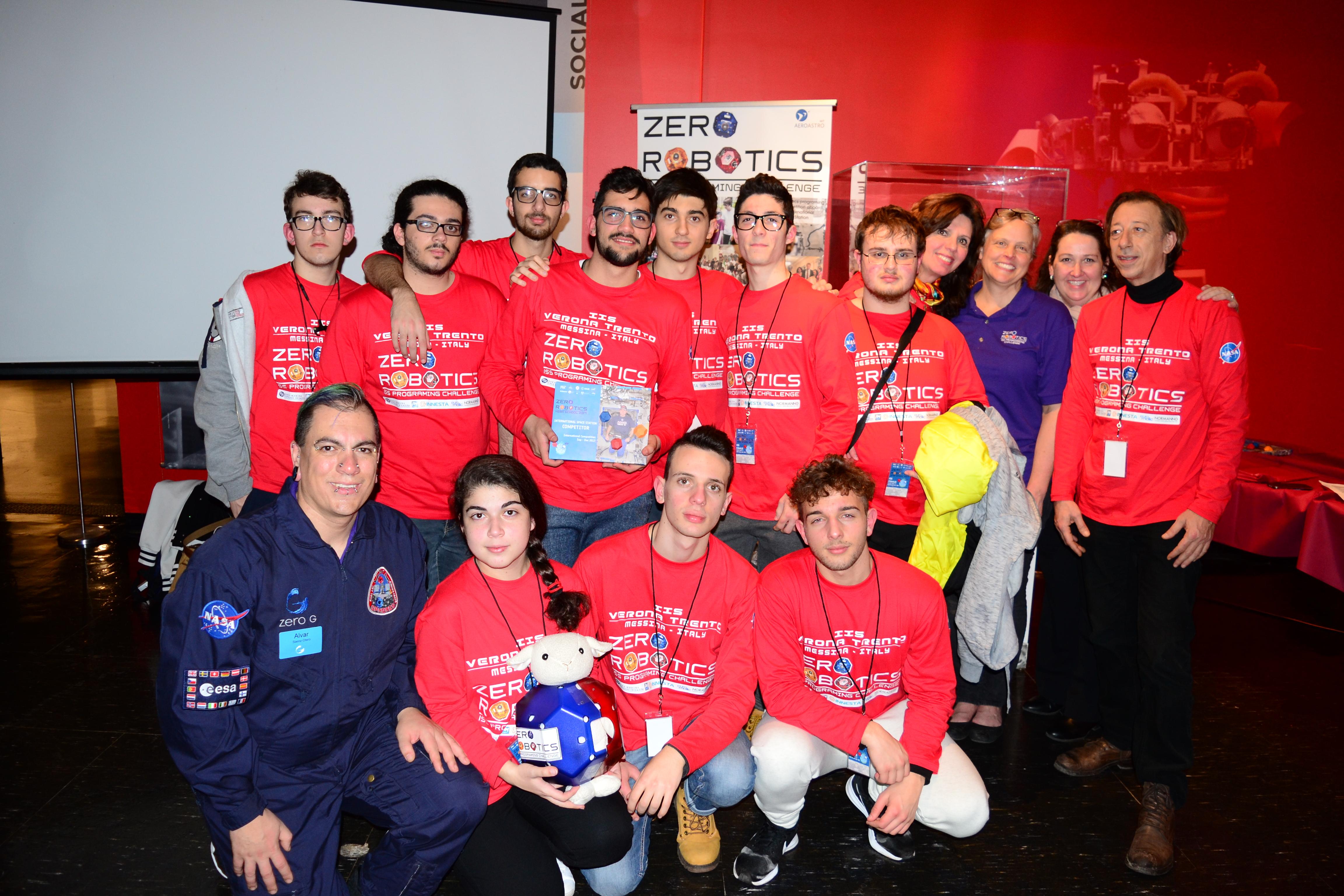 premiazione con Alvaro e Wendy, organizzatori