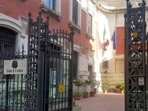 foto dell'ingresso della questura di Messina