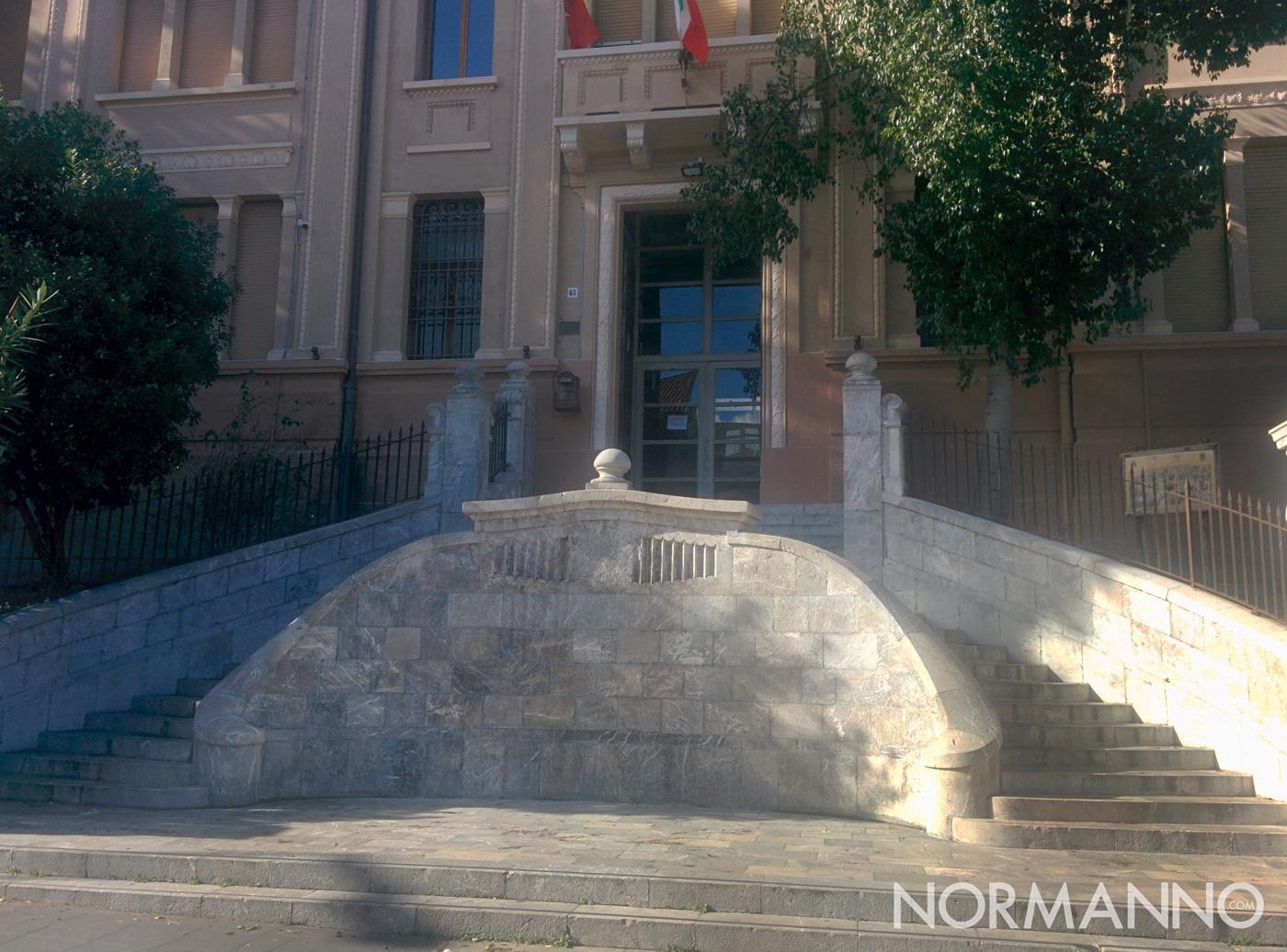 Scalinata liceo Maurolico di Messina dopo il restauro