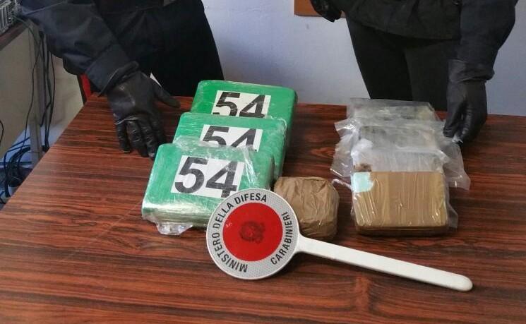 Foto della droga sequestrata per un valore di 500mila euro