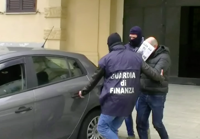 Messina - Tentativo estorsione negozio del centro - Arresto pregiudicato