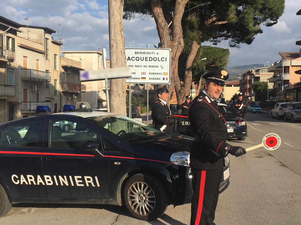 Foto di repertorio - Posto di blocco dei Carabinieri di Acquedolci