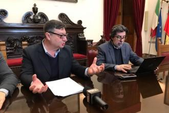 Foto degli assessori Enzo Cuzzola e Guido Signorino, giunta Accorinti - Comune di Messina