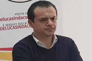 Cateno De Luca risponde agli attacchi di Sciacca: «È un intruso nel M5S»