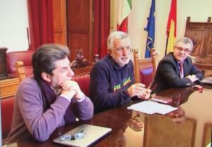Foto della conferenza stampa dove è stato annunciato l'esposto contro Banca Dexio