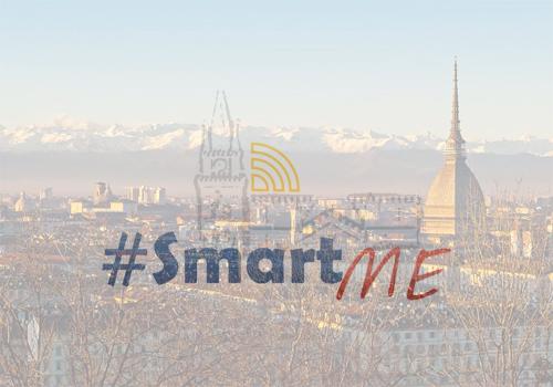 Immagine di repertorio, logo SmartMe su foto di Torino