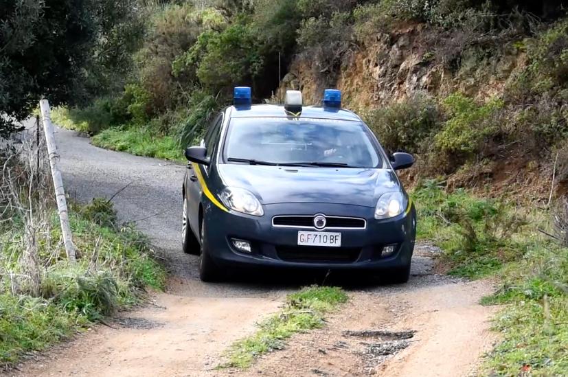 Fotogramma del video della GdF, sequestro azienda agricola Tortorici - Truffa AGEA